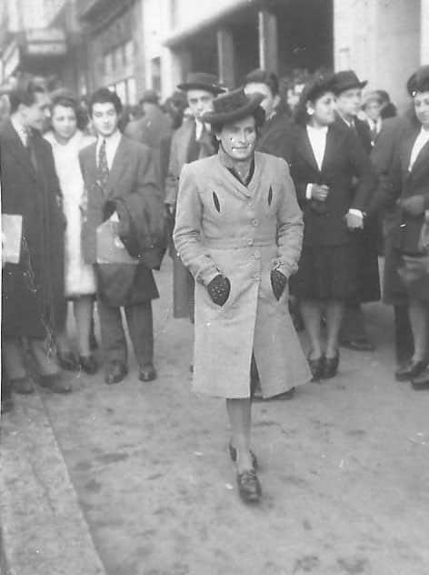 Juliette Muraille sur la Canebière 6 2 1944