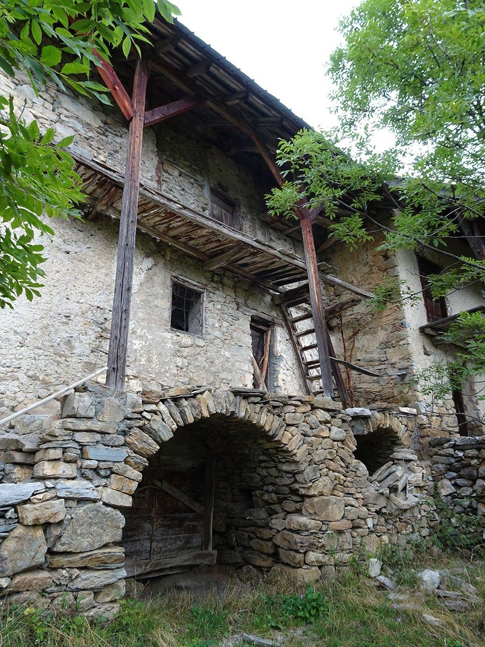 Les maisons Beaufils (Les Moulinets hauts) et Eymar (St-Thomas) au Bas Villard, elles aussi en sursis