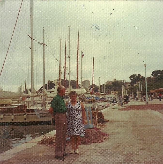 Marcel Cannat père et Marie Jeanne en vacances à Bandol. 9 septembre 1977