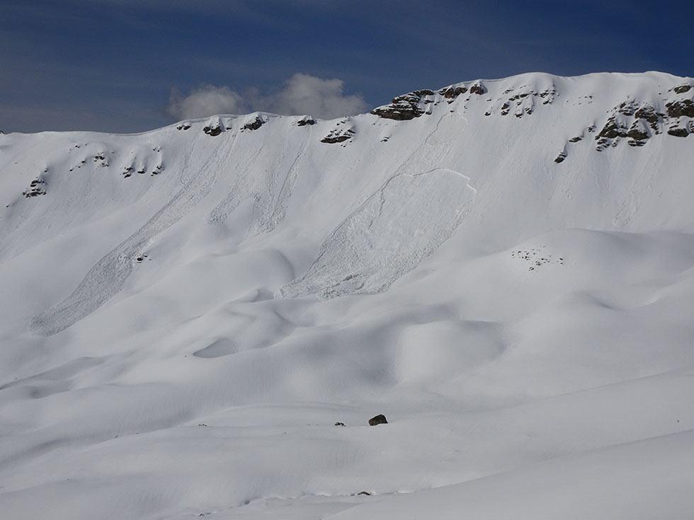 Belles plaques sous la Crête de Fouran face à la cabane de L'Alp
